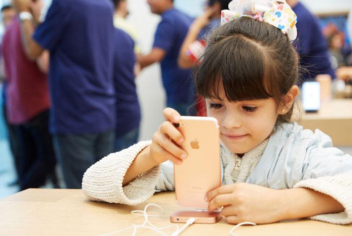 apple-inaugura-exitosamente-su-primera-tienda-en-mexico-02